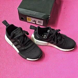 Adidas NMD R1 US size 4.5